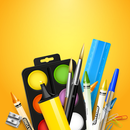 utiles escolares: Fondo de la escuela con los útiles escolares en el fondo de color naranja