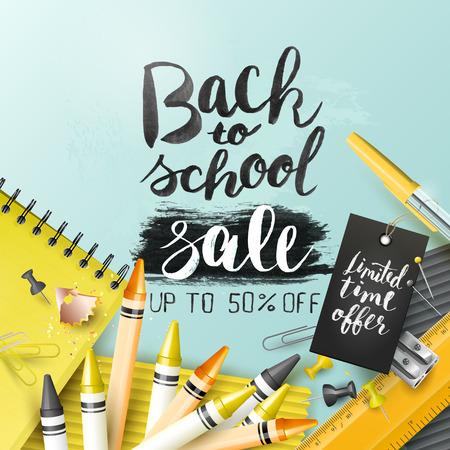 """Modèle de design à la mode avec des lettres et des accessoires scolaires """"Back to school sale"""""""