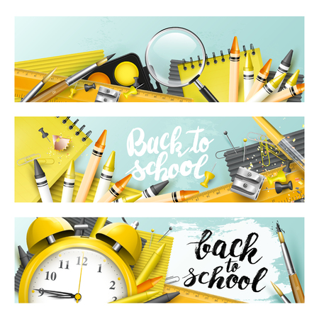 """Trendy designkoppen met """"terug naar school"""" penseelletters en schoolaccessoires Stock Illustratie"""