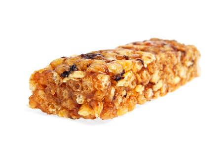 barra de cereal sano aislados sobre fondo blanco