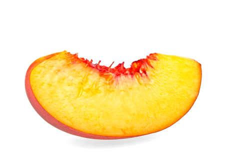 segmentar: Nectarina segmento de frutas aisladas sobre fondo blanco, muy cerca