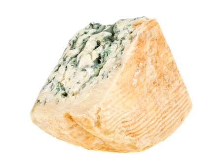 白い背景に分離した糸状菌ソフト ブルー チーズのくさび