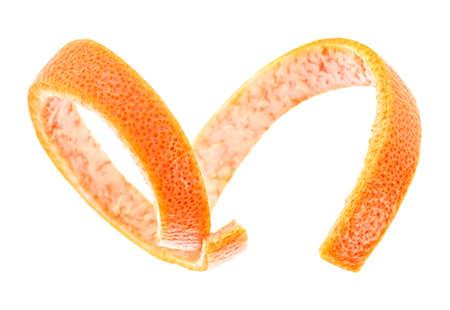 Grapefruitschil geïsoleerd op een witte achtergrond