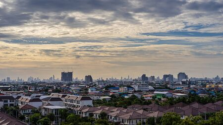 Cityscape of beautiful urban and cloudy sky in the evening Stock Photo - 129914962