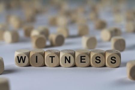 Testimone - cubo con lettere, firmare con cubi di legno Archivio Fotografico - 67868413