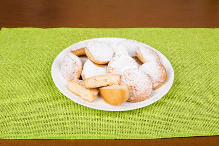 Shortbread cookies with powdered sugar