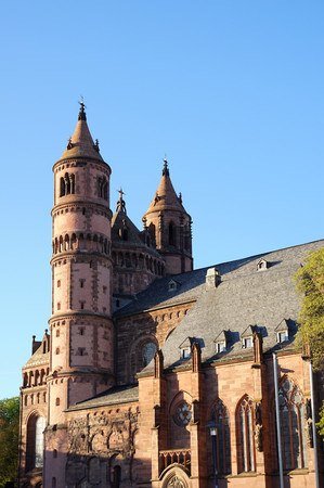 gusanos: catedral imperial en gusanos