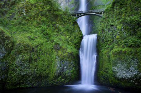 oregon cascades: Multnomah Falls and the foot bridge across in the Columbia River Gorge Stock Photo