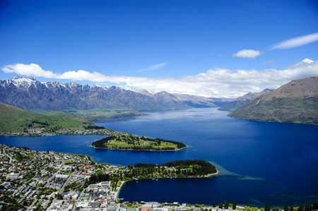 wakatipu: Lake Wakatipu with Queenstown in the forground, New Zealand