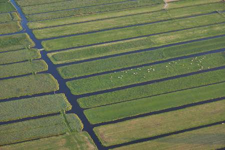 Luchtfoto van veenweidelandschap met agrarische functie bij Vinkeveen in Nederland Stockfoto