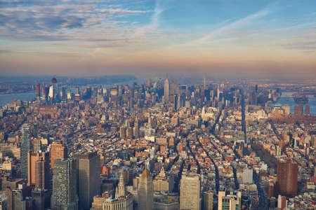 Aerial of midtown Manhattan looking north towards central park 版權商用圖片