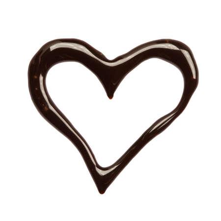 chocolate melt: Chiudere il cuore di sciroppo di cioccolato su sfondo bianco  Archivio Fotografico