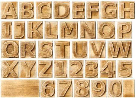 alfabeto: Bloques de madera del alfabeto con las letras y los n�meros. Foto de archivo