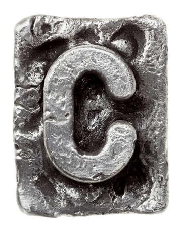 letras cromadas: Aleación de metal alfabeto letra C Foto de archivo