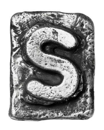 letras cromadas: Aleación de metal alfabeto letra S Foto de archivo