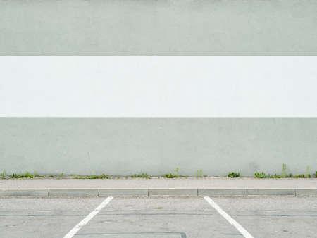 駐車場の壁および歩道 写真素材