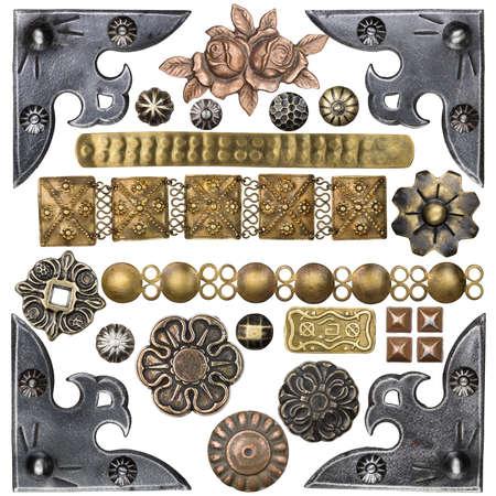 flores en esquina: Esquinas vintage de metal, clavos, botones y otros elementos de dise�o Foto de archivo