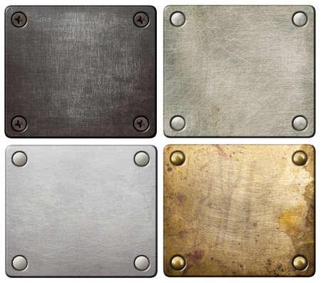 Metalen platen met schroeven en klinknagels.