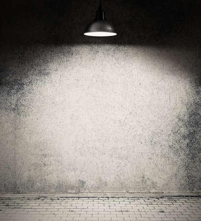 Spotlight op lege muur.