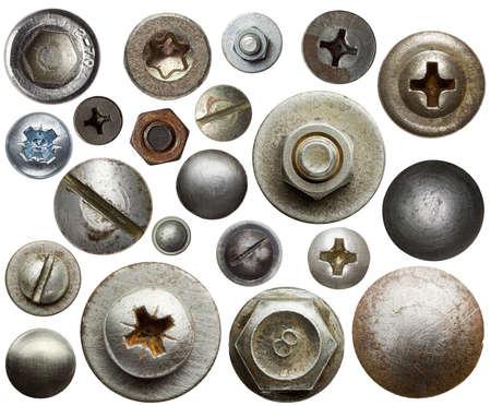 metales: Cabezas de los tornillos, tuercas, remaches.