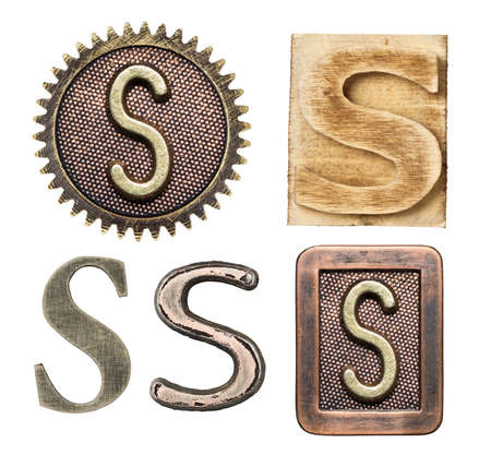 lettre s: Alphabet fait de bois et de métal. Lettre S