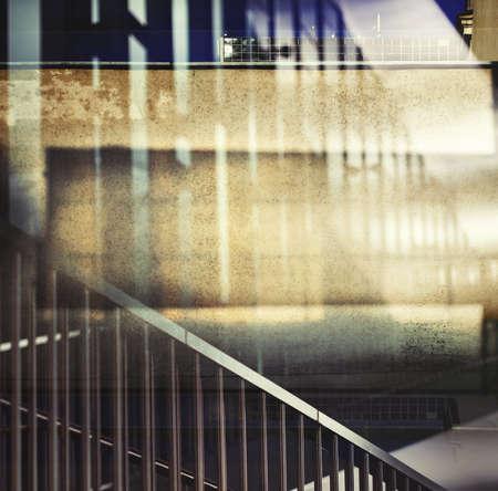 multiple exposure: Abstract esposizione multipla di fondo urbano.