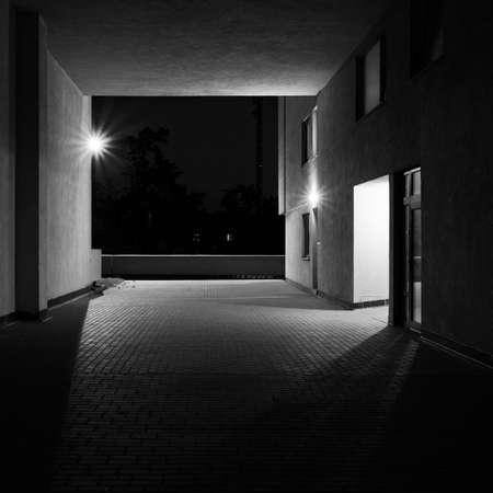 Buitenkant van de nacht bouwen