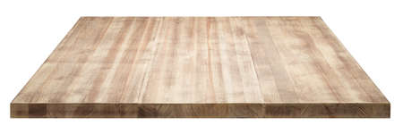 Mesa de madera rústica sobre fondo blanco.