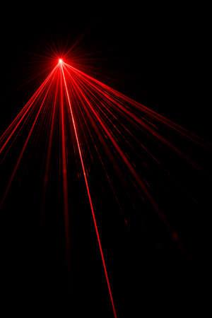 Red laser beam light effect on black background, photo. 版權商用圖片 - 93753935