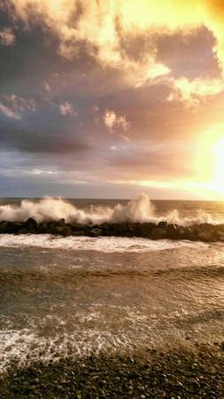 mare agitato: cielo Tramonto sul mare mosso