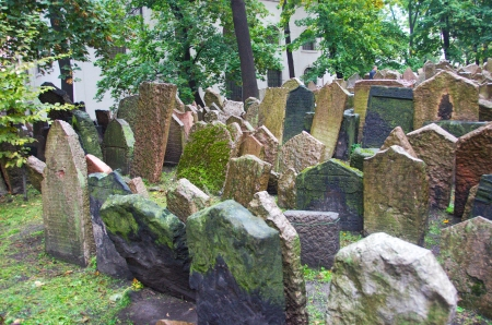 The Old Jewish Cemetery in Prague, Czech Republic where many notable Jewish leaders are buried including Rabbi Judah Loew, The Maharal Standard-Bild