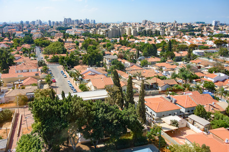 Bird's Eye View of Tel Aviv Suburbs in the Sharon area northeast of Tel Aviv - cities of Kfar Saba, Raanana, and Hod Hasharon Standard-Bild