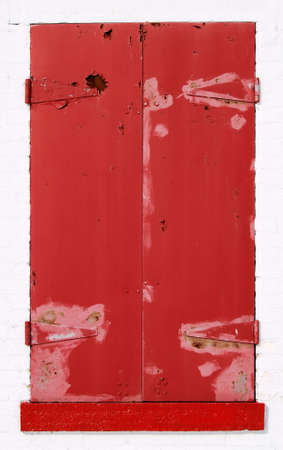 red shutters: Red Shutters