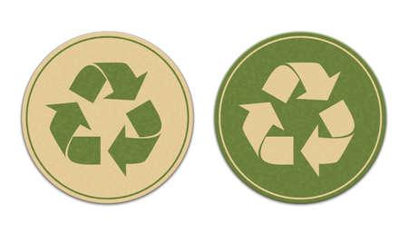 papelera de reciclaje: Dos pegatinas de reciclaje de papel aislados sobre fondo blanco