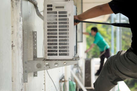 Cleaning air conditioning