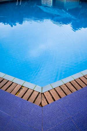 Edge pool