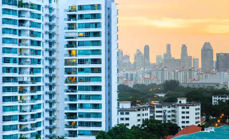 Singapore-13 DEC 2017: Singapore city view from high rise residential building Publikacyjne