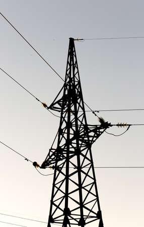 torres el�ctricas: Torres de electricidad al atardecer