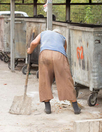 garbage collection: Work garbage collection after street market