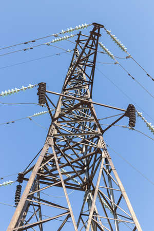 Power lines on a sunny day (high voltage tower) Banque d'images - 130624056