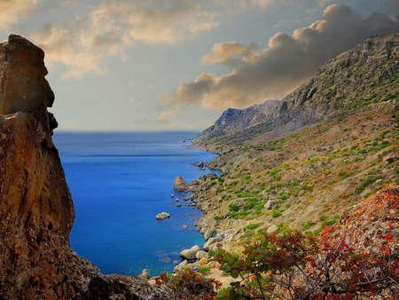 water s edge: Vista sul mare dalla montagna