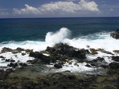 rapa nui: Volc�nico Costa de la lava de Rapa Nui - Isla de Pascua, la Polinesia en el Pac�fico Sur