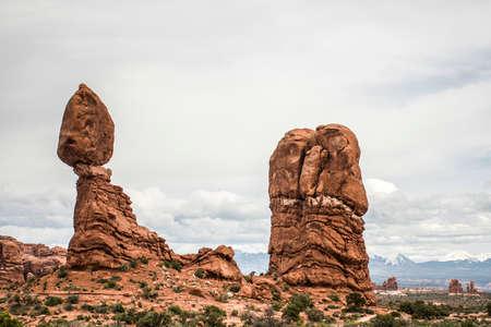 balanced rocks: Moab Utah Arches National Parc balanced Rocks 2