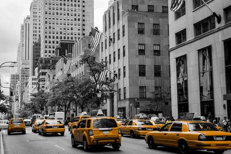 New York City Taxi Streets USA Skyline der Big Apple Schwarz Weiß Gelb 2