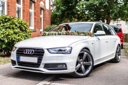 Koblenz Duitsland 31.08.2018 Trouwauto, Audi met trouwdecoratie