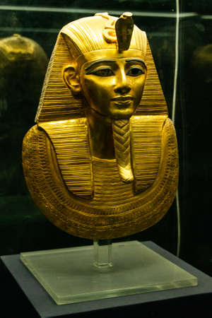 CAIRO, EGYPT 25.05.2018 - Pharao Mask in Egyptian Museum Cairo main attraction Редакционное