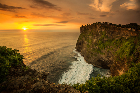 Beautiful Sunset at Uluwatu temple Bali Indonesia 版權商用圖片 - 40519104