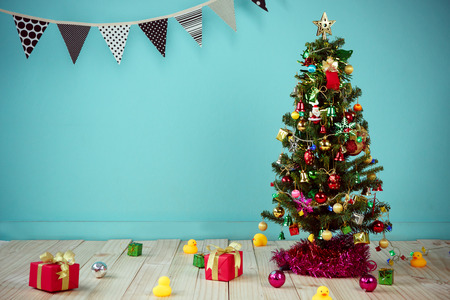 Christmas with decorated item hanging in a tree 免版税图像 - 42742700