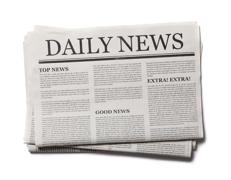 Periódico de negocios aislado sobre fondo blanco, concepto de maqueta de periódico diario