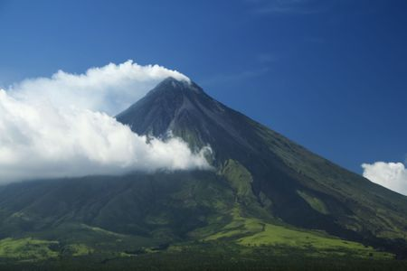 mayon volcano in albay province south luzon in the philippines, the worlds most active volcanoe